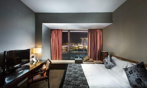 Book 30 days early and save 10% Peninsula Excelsior Hotel Singapore